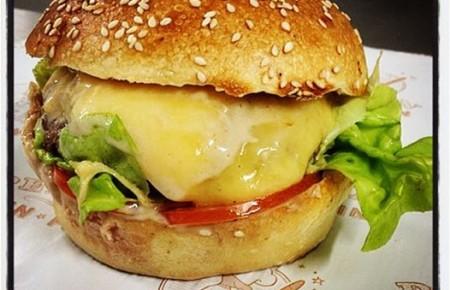 Perlin Pain Pain et son burger du mois